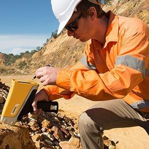 Thiết bị XRF Vanta sử dụng trong ngành mỏ và khai khoáng