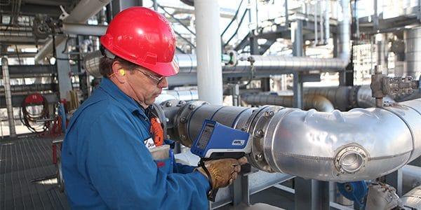 Thiết bị XRF Vanta sử dụng trong kiểm tra nhận diện nhan hợp kim (PMI)